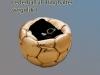Lederball, vergoldet, als Ringhalter